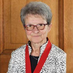 Hommage de Tourisme Montréal et l'Association du tourisme religieux et spirituel du Québec (ATRSQ) à Sœur Madeleine Juneau, directrice générale de la Maison Saint-Gabriel de Montréal