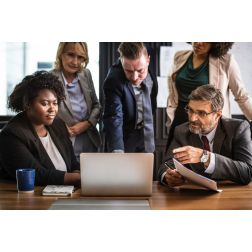Budget 2019: Pourquoi il est important d'inclure une formation du service à la clientèle et de la vente