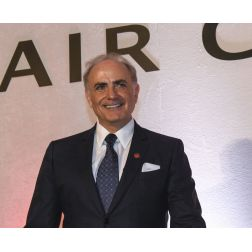 Calin Rovinescu, président et chef de la direction d'Air Canada remporte le prix...
