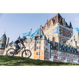 Finn Iles s'attaque au défi urbain dans le Vieux-Québec...