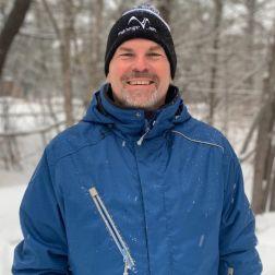DISTINCTION: Yves Juneau, PDG de l'ASSQ, reçoit le prix Bob Gillen Memorial Award de North American Snowsports Journalists Association (NASJA)