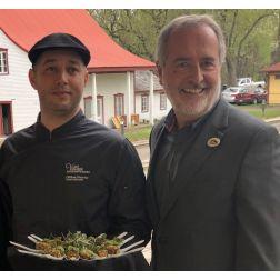 Le chef William l'Heureux s'associe au Village québécois d'antan
