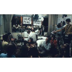 Fairmont Le Reine Élizabeth célèbre le 50e du Bed-in pour la paix de John Lennon et Yoko Ono