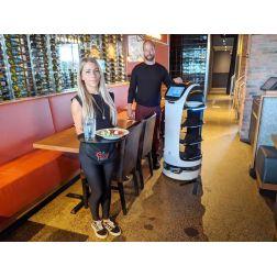 Pénurie de main-d'œuvre: un robot à la rescousse dans un resto de Québec
