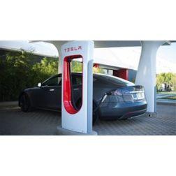 Le Groupe Germain déploie le premier réseau de recharge Tesla