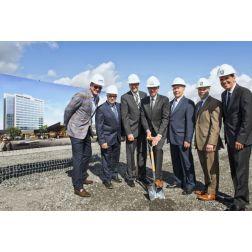 La construction du Centre de congrès de Saint-Hyacinthe et de l'Hôtel Sheraton est officiellement entamée