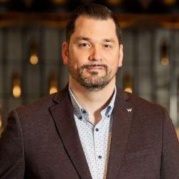 NOMINATION: W Montréal - Francis Huot