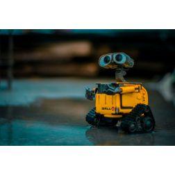 T.O.M.: COVID-19: le rôle des robots face à la crise sanitaire