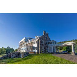 StoneHaven Le Manoir a officiellement ouvert ses portes à Sainte-Agathe-des-Monts