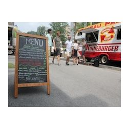 Cuisine de rue : Coderre critiqué pour son «enthousiasme exagéré» par l'ARQ