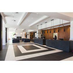 L'Hôtel Château Laurier Québec a investi 1,6 M$ dans la refonte de son lobby... (juin 2019)