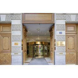 Une école d'hôtellerie de luxe arrive bientôt à Paris