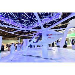 Taxis-volants, robots policier, drones: Dubaï se voit en grande ville du futur