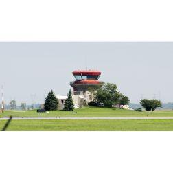 Et si l'Aéroport de Saint-Hubert devenait le Billy-Bishop de Montréal?