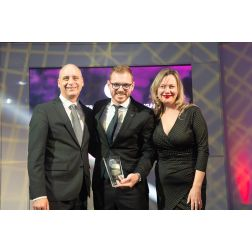 DISTINCTION: «Best Ottawa Business Awards (BOBs) - Aéroport international d'Ottawa et Germain Hôtels
